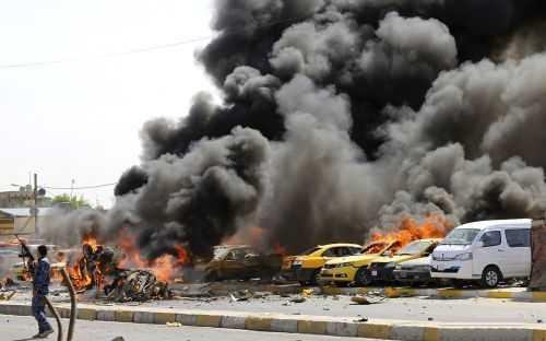 自2003年美军占领后,伊拉克的治安问题挥之不去,在居民区,甚至正常的电力供应也是一种奢侈。