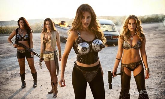 这些精心制作的胸罩不是用来进行防护的,而是为了遏制其中的神秘力量——电影《弯刀杀戮》